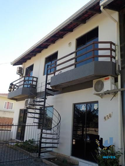 Casa à venda  no Meia Praia - Itapema, SC. Imóveis